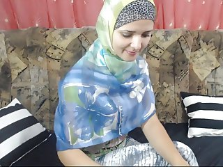malak arabic girl on cam2