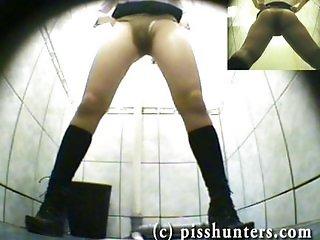 Hidden.toilet.piss.spycam.pisshunters