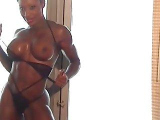 Beautiful black muscle woman Cassandra Floyd