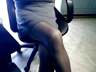 Cumming in pantyhose