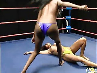 topless catfight of two beauties pretty rough actually