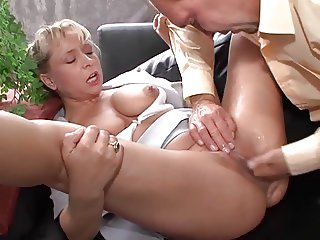 Mature woman fucks and...SQUIRTING MANY TIMES