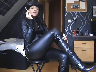 Hot Euro Cougar Smoking in Leather