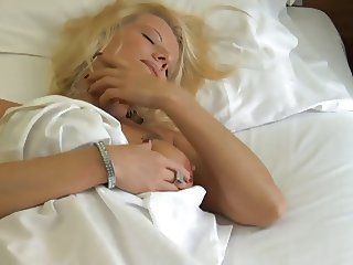 Monica blond gorgeous putana italiana fucked in every hole