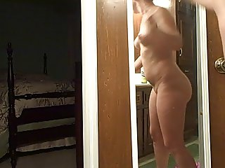 pawg shaking her booty