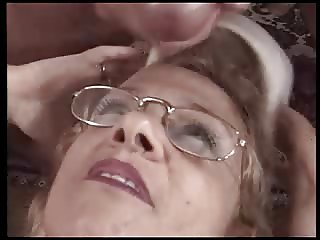 FILTHY RICH AUNT 01