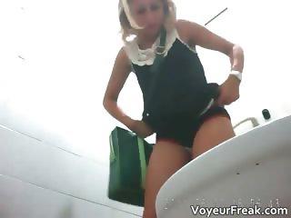 A large pissing sequence voyeur movie part5