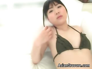 Cute asian chick Karen posing in sexy part2