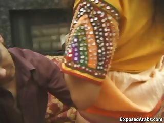Sexy Indian slut loves sucking part2