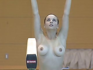 gimnasta russa en tetas
