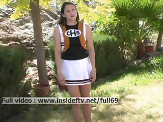 Michelle Amateur cheerleader showing us her pussy and dancing