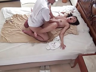 Delivery Oil Massage Young Wife REIKO Censored