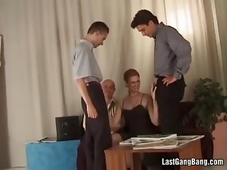 Blonde chcik enjoy in hot group sex