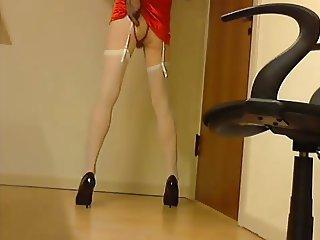 Crossdresser chair play