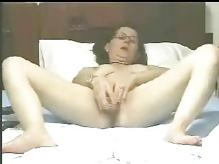 Mature bitch loves to be watched masturbating. Homemade