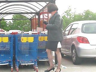 crossdresser shopping