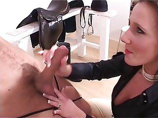Mistress handjob by Magictung