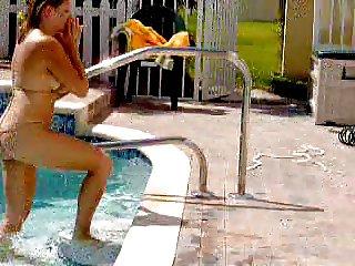 wife pool bikini