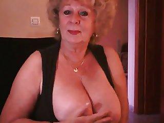 Granny1 by chocholo