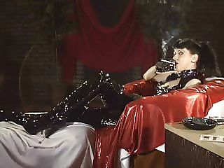 Smoking Fetish Valentine smoking in black latex part1