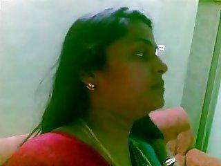 Indian Aunty 1097