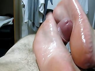 explosive footjob by mature women