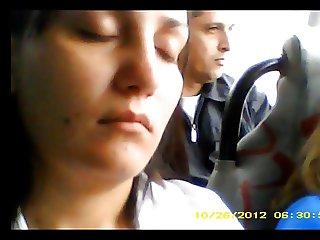 Touch in Bus Encoxada no ombro 2