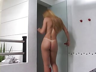 guy bends over for tranny cock
