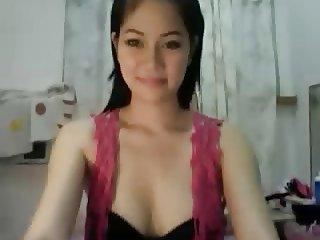 Cute Thai Girl Apple on Cam 1