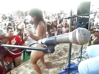 brazilian dance babe