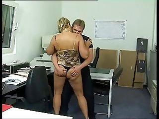 Chunky German cougar ass fucked in the office Sid69