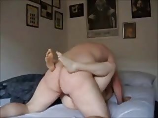 Amateur college girl hooks up with old guy