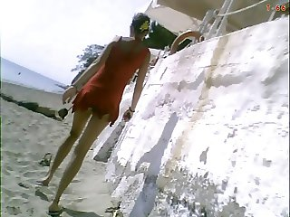 GREEK ASSES ON THE BEACH THE CLIP