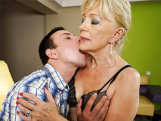 Old lady from Holland has never been fucked so good by her new young lover